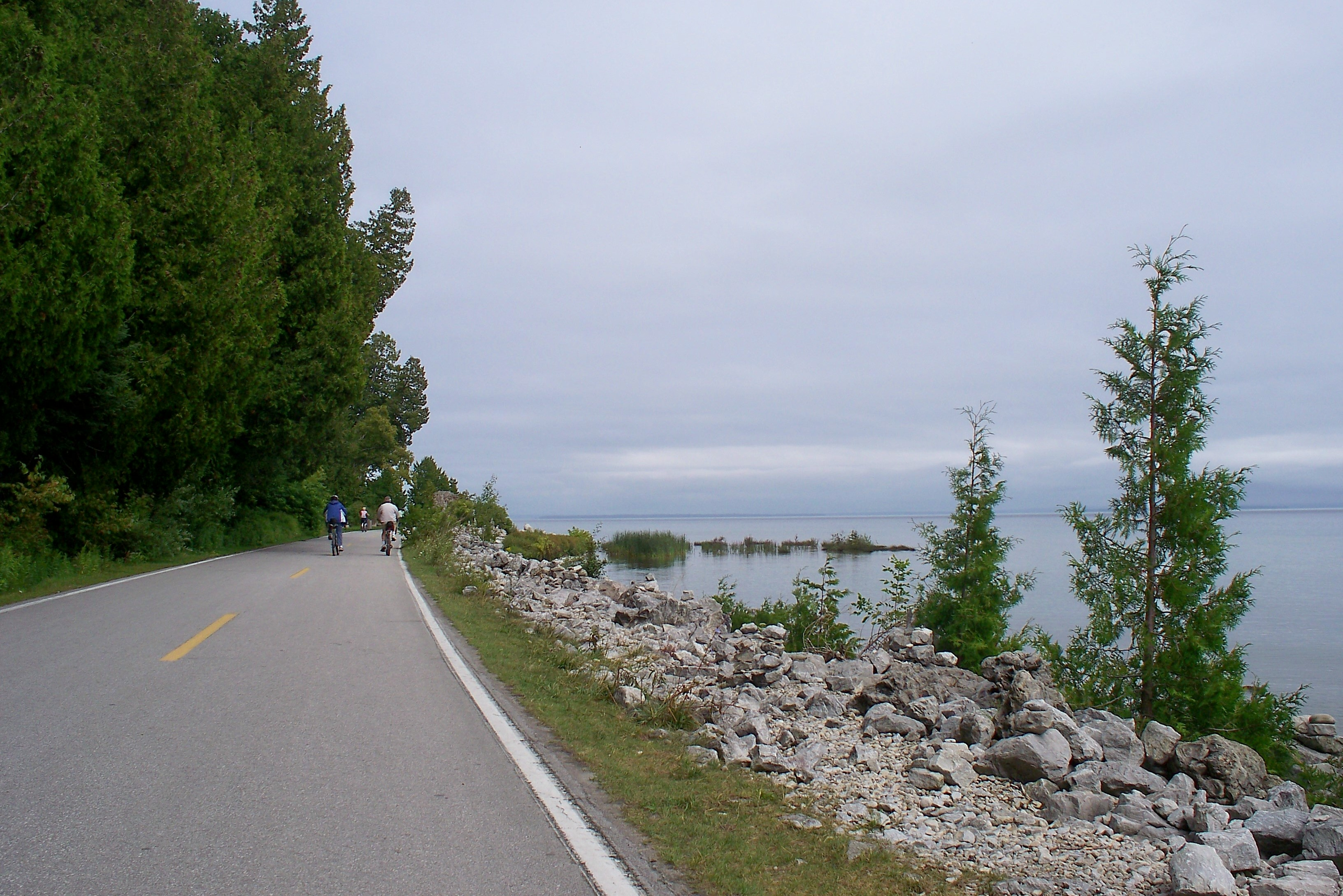 Highway 185 circles Mackinac Island. The easy 8 mile journey offers access to the tougher roads of the interior as well.
